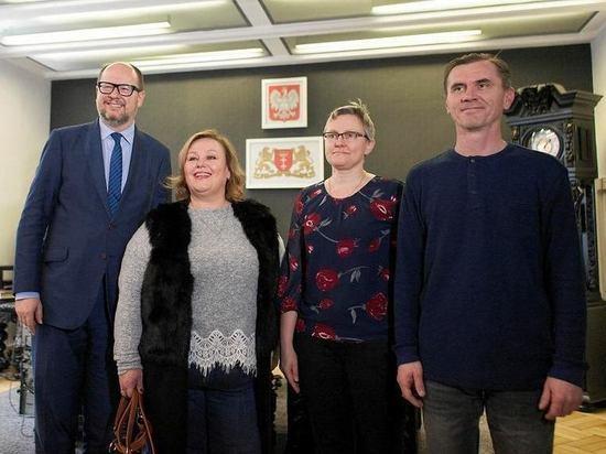 Мэр польского Гданьска извинился перед россиянами, чью машину закидали камнями